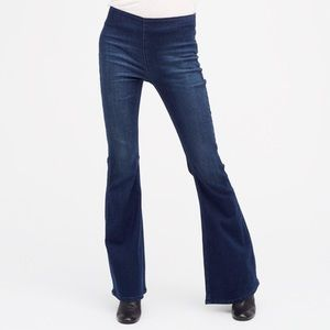 FREE PEOPLE Dark Wash Penny Flare Pull On Jeans!